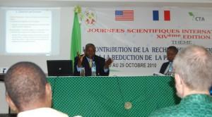 En conférence à l'UL lors d'un passage à Lomé