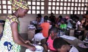 Togo : Perles et batik pour occuper les vacances