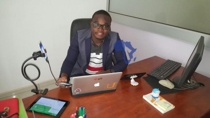 Seti Afanou dans son bureau_ photo Africa rendez-vous