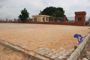 Vue partielle du parking du Cimetière de Bè-Kpota